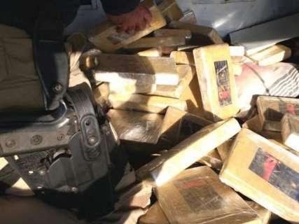 Caminhão de milho escondia carga de cocaína avaliada em R$ 3,2 milhões
