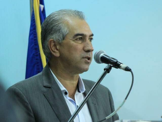 Governador de MS, Reinaldo Azambuja (PSDB), durante discurso na governadoria. (Foto: Marina Pacheco/Arquivo).
