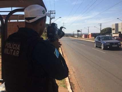 Motociclista é flagrado a 104 km/h em blitz na Guaicurus