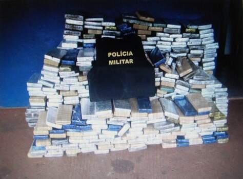 Maconha estava distribuída em 586 tabletes apreendidos no interior de veículo Fox, abandonado na rodovia. (Nova Notícias).