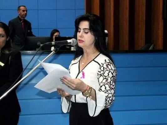 Deputada Mara Caseiro (PSDB) durante homenagem na Assembleia. (Gabriela Rufino/ALMS)