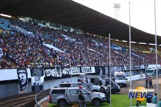 Os operarianos também marcaram presença em grande número no Morenão no clássico do final de semana (Foto: André Bittar)