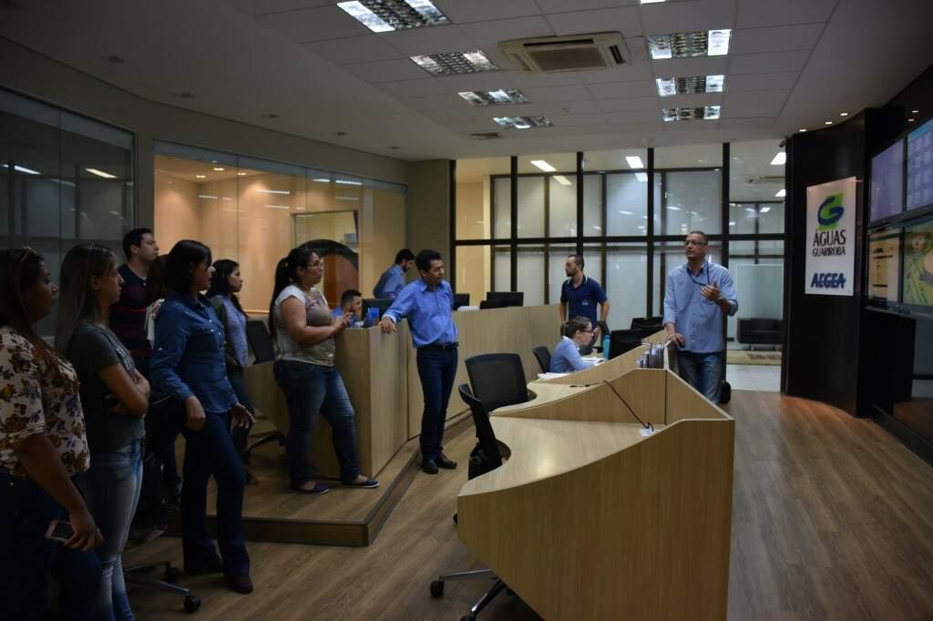 Professores durante visita as instalações da concessionária Águas Guariroba (Foto: Assessoria de Comunicação/ Águas Guariroba)