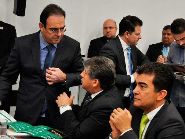 Deputados Felipe Orro (PSDB), Lídio Lopes (Patri) e Marçal Filho (PSDB), durante sessão (Foto: Assessoria/ALMS)