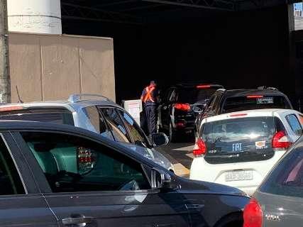 Após queixas, Procon pede suspensão de taxa de estacionamento do Comper