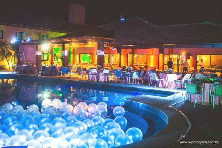No Novotel, casamento pode ser realizado na varanda e piscina vira decoração. (Foto: SW Fotografia/Willian Kinoshita)