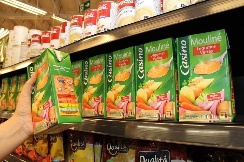 Sopa importada de caixinha, pronta para consumo. (Foto: Marcos Ermínio)