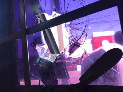 Comerciantes denunciam atos de vandalismo após balada no Vila Rica