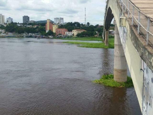 Rio Paraguai é um dos cartões postais da cidade branca. (Foto: Diário Corumbaense)
