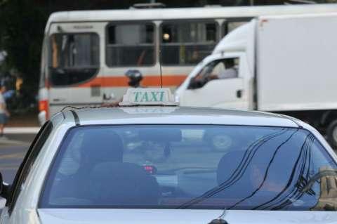 Na expectativa do Uber, motoristas apostam até em veículo locado