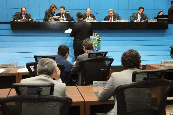 Deputados aprovaram o projeto, durante sessão nesta quinta-feira (Foto: Victor Chileno/ALMS)