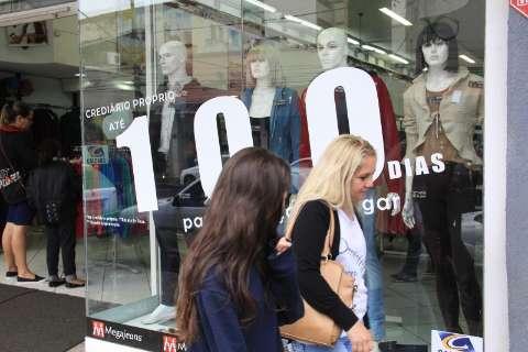 Frio movimenta comércio e eleva vendas de roupas em até 50%