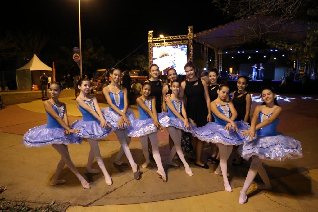 Grupo de dança se apresentou na noite de sexta. (Foto: Paulo Francis)