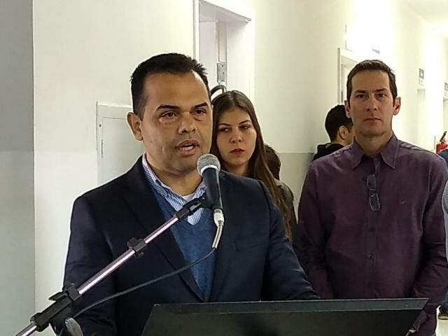 Secretário municipal de Saúde, Marcelo Vilela, durante inauguração na UBSF Jardim Azaléia (Foto: Kleber Clajus)