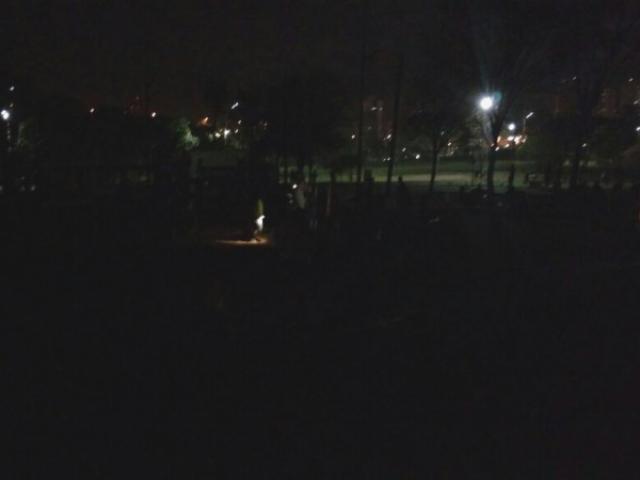 Escuridão é mostrada por foto tirada por leitor e enviada à redação (Foto: Direto das Ruas)