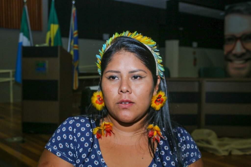 Kassya é estudante de Letras e afirma que os alunos não devem se envergonhar por serem indígenas (Foto: Paulo Francis)