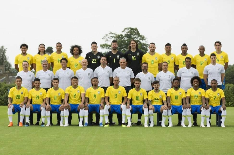 A foto oficial da Seleção Brasileira, registro feito nesta sexta-feira no encerramento da fase de treinamento no CT do Tottenham, em Londres (Foto: Lucas Figueiredo/CBF)