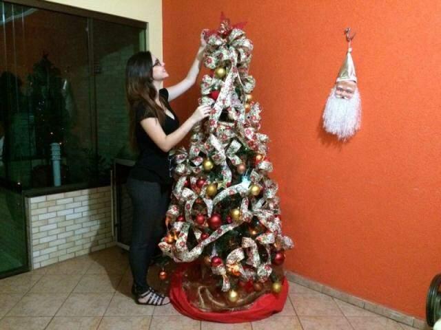 A casa precisa, além de ter a árvore montada, a alegria da noite de Natal.