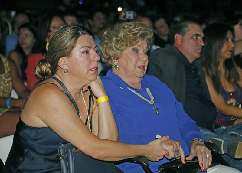 Vanessa levou a mãe Mary ao show de Roberto e as duas se emocionaram muito