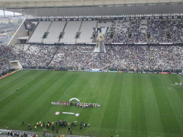 Times em campo para disputa pela primeira rodada do Brasileirão (Foto: Marcelo Braga/Reprodução Twiter)
