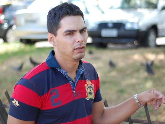 Depois que eles se separaram, relata Rogério, foi que ficou sabendo que Glaucia sofria violência doméstica. (Foto: Marlon Ganassin)