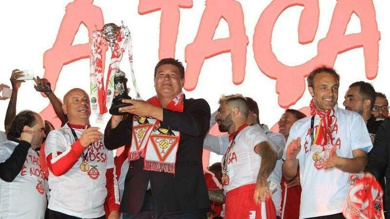 A festa no Desportivo das Aves pela conquista da Taça de Portugal, a Copa do Brasil dos portugueses (Foto: Manoel Barreiras)