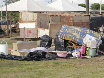 Vizinha arrecada materiais para moradores vindos da Cidade de Deus