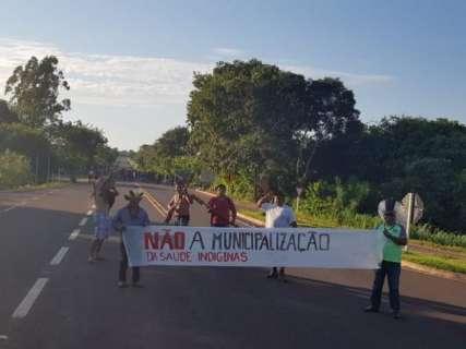 Depois de 6 horas, índios liberam trecho de rodovia em Miranda