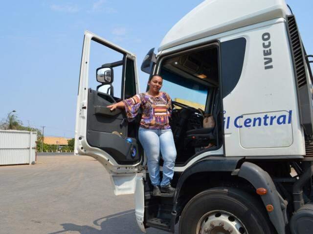 Janaína recebeu o Lado B durante os preparativos para voltar à estrada. (Foto: Danielle Valentim)