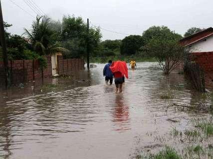 Chuva põe 12 cidades de MS em emergência e 11,3 mil são afetados