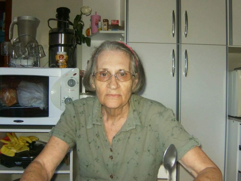 Juvelina se sentia bem cozinhando suas massas e seu cômodo preferido da casa era a cozinha. (foto: Acervo Pessoal)