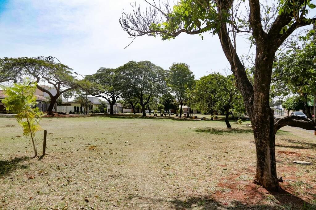 O espaço de lazer da praça da Jacy, em Campo Grande  (Foto: Kisie Ainoã)