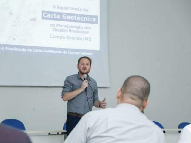O diretor de planejamento ambiental da Planurb Rodrigo Giansante(Foto: Kisie Ainoã)