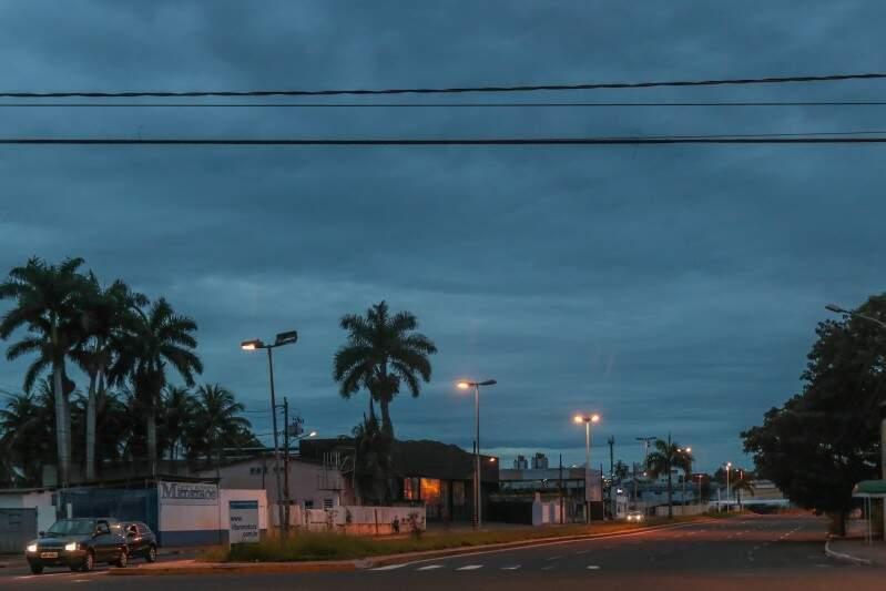 Manhã nublada em Campo Grande, com mínima de 22ºC. (Foto: Fernando Antunes)