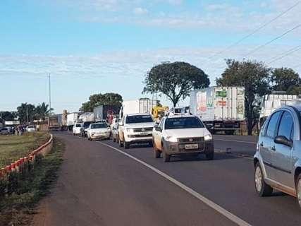 Caminhoneiros mantêm bloqueios em 16 cidades de MS; confira pontos