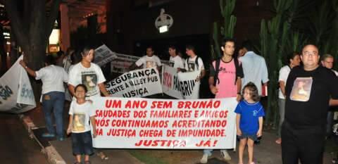 Após um ano, família de Brunão pede justiça com protesto na Afonso Pena