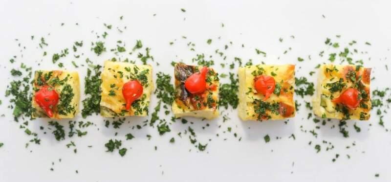 Omelete feito ao forno e com pimenta biquinho é um dos pratos da casa. (Foto: Fernando Antunes)