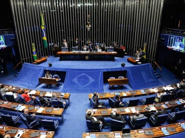 Senadores durante a votação no Senado, na noite desta terça-feira (20). (Foto: Jonas Pereira/Agência Senado)