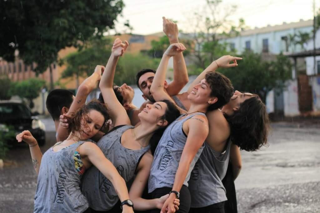 Bailarinos Ana Carolina Brindarolli, Tanara Maciel, Sarah Figueiró, Maria Fernanda Figueiró, José Carlos Alexandre de Araujo, Brendon Feitosa e Halisson Nunes. (Foto: Lunar Fotografia)