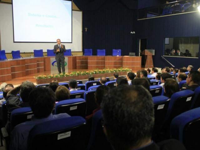 Evento realizado no plenário do Tribunal de Contas Estadual, em Campo Grande (Foto: Marina Pacheco)