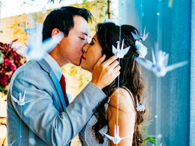 Eizo e Débora se casaram num restaurante de sushi no final de abril deste ano. (Foto: Renan Kubota)