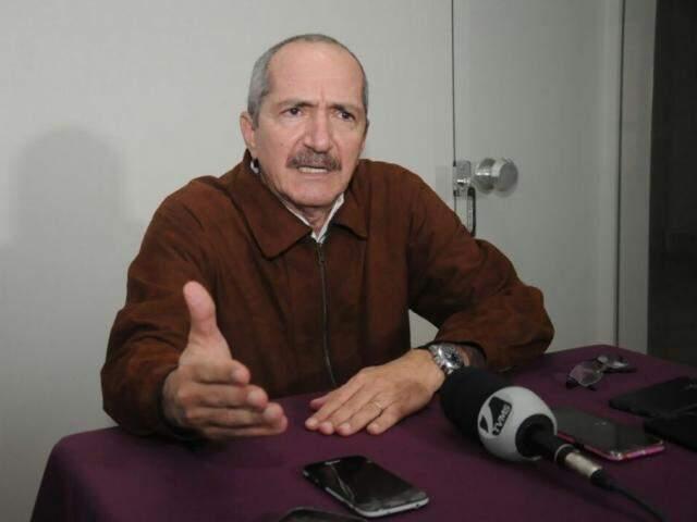 Aldo Rebelo durante entrevista coletiva no início da tarde desta segunda-feira (Foto: Paulo Francis)
