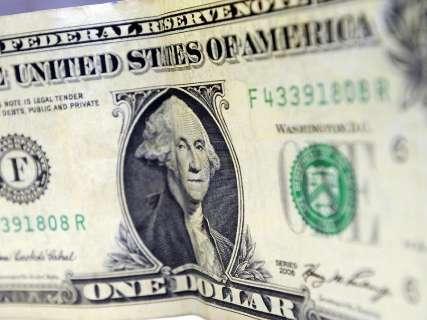 Dólar termina semana com valorização de 2,68%, cotado a R$ 3,767