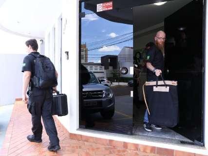 Após mais de 5h, PF deixa escritório de filho de desembargador
