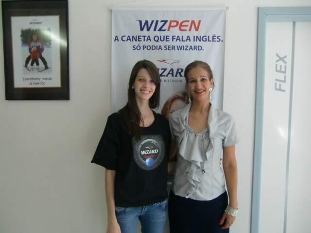 Thaysse Ricci (esq) com a diretora da escola Wizard São Bento, Vanessa Rezende.
