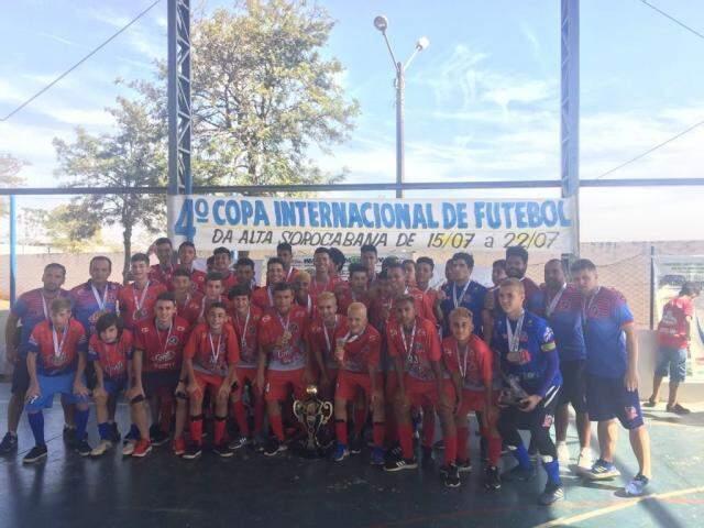 Sub-14 do Guaicurus conquistou título de torneio internacional (Foto: Divulgação)