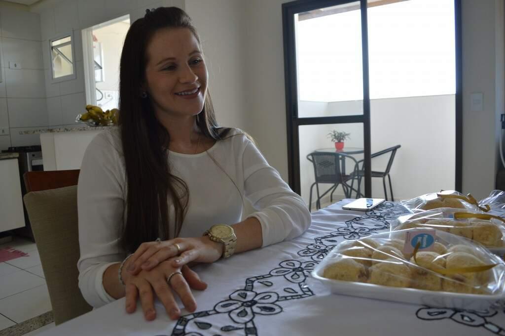 Alessandra é de Salvador mas está morando em Campo Grande há 2 anos. (Foto: Thaís Pimenta)