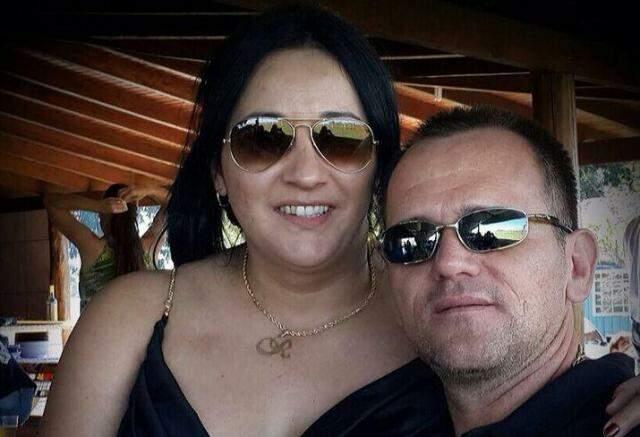 Roseleia e Silvio posam para foto em momento de lazer (Foto: reprodução/Facebook)