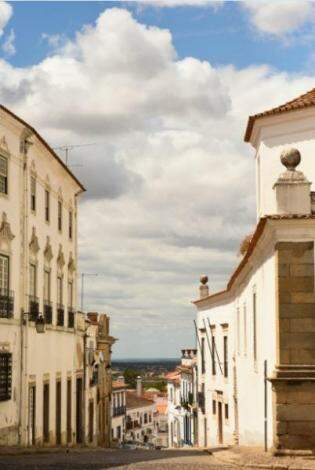 Montemor, as ruas de uma cidade histórica. (Foto: Larissa Pulchério)