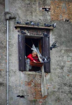 Veneza: Observar a rotina dos moradores na cidade em que visita é realmente conhecer um pouco mais sobre o  lugar. (Foto: Janaina Lott)